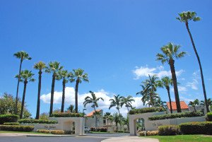 entry to Palms at Wailea complex